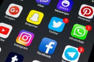 Dampak Positif Dan Negatif Bermain Sosial Media